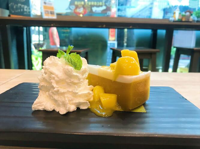 ピピ島のマンゴーガーデンは絶対行くべき!スムージーとケーキがおすすめ!・マンゴケーキ2