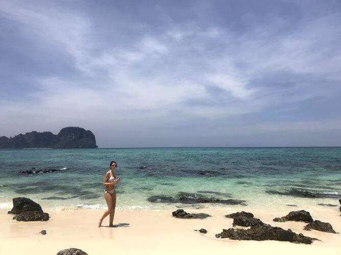 「タイのピピ島ってどんな場所?はじめて行く人に向けたピピ島基本情報」バンブー島
