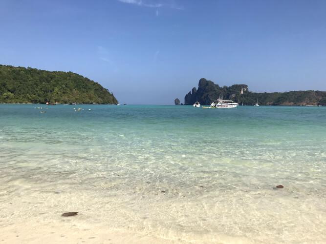 歩きで行けちゃう!ピピ島のおすすめビーチ「ローダラムビーチ」