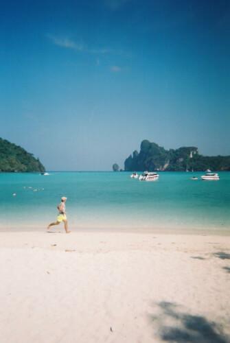 「タイのピピ島ってどんな場所?はじめて行く人に向けたピピ島基本情報」ローダラムビーチ2