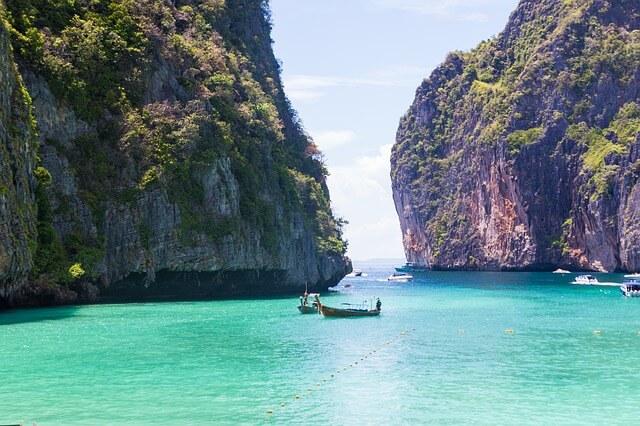「タイのピピ島ってどんな場所?はじめて行く人に向けたピピ島基本情報」ピピ・レイ島・マヤベイ