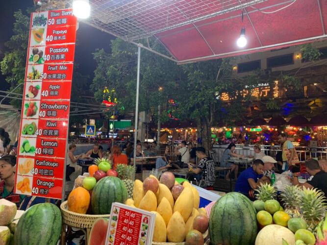 タイのプーケットってどんな場所?はじめて行く人に向けたプーケット基本情報:パトンビーチのナイトマーケット(屋台)